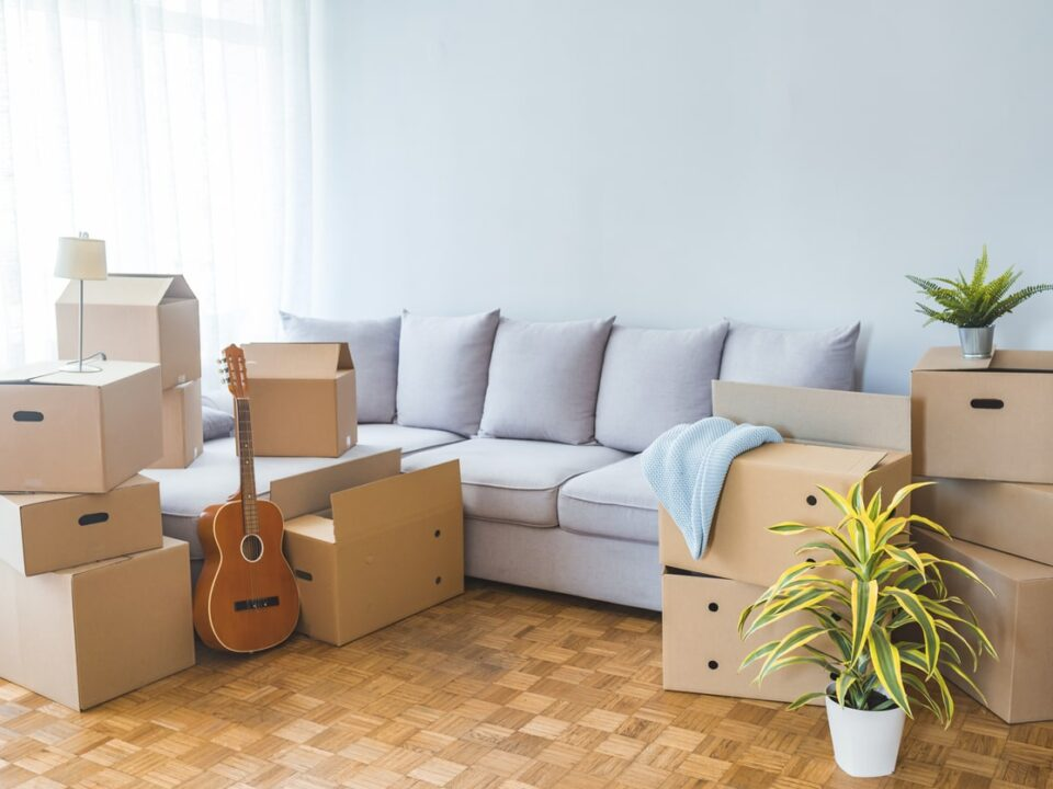 reasons decluttering helps your house sell faster